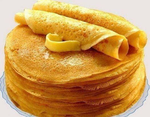 """БЛИНЫ """"БЕЗУПРЕЧНЫЕ""""  Получатся даже у новичков!  Ингредиенты:  кипяток — 1,5 стакана;  молоко — 1,5 жки;  соль — 0,5 чайной ложки;  ваниль.  Взбейте яйца с сахаром, добавьте соль и ваниль. Далее взбивая смесь, добавляем молоко и постепенно всыпаем муку. Не переставая взбивать, вливаем растопленное сливочное масло, а затем кипяток тонкой"""