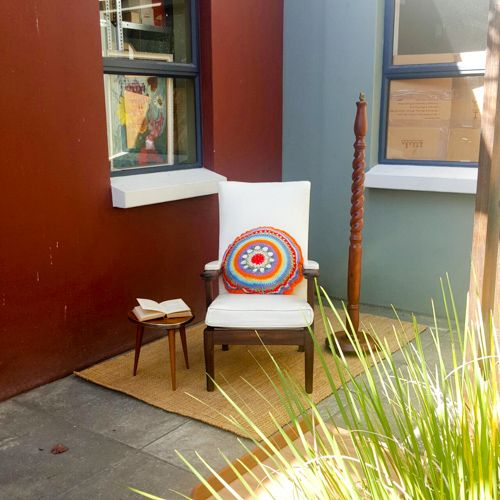 Mid-century arm chair: very pretty but not perfect; great frame, needs tightening, white vinyl good but blemished WAS R1600 NOW R1400 includes delivery to door!