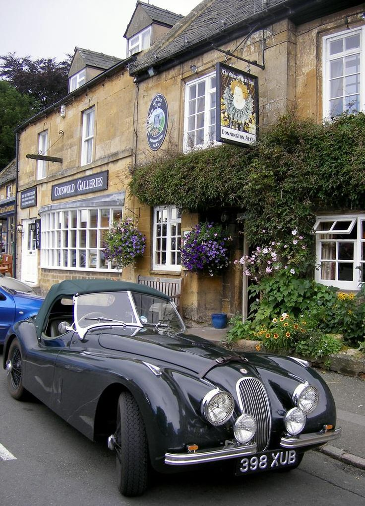 Seriuosly? who pops down to the pub in their Jaguar? Did Robin hijack the bat cave again an make off with Bruce Wayne's Jag? ROFL