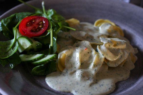 Ostfylld pasta med spenat & gorgonzolasås | Kyckling-Mama