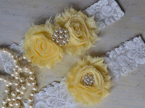 Light Pale Yellow Wedding Garter Lace Bridal SET Keepsake Toss Vintage