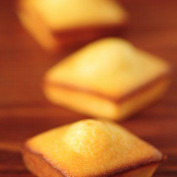 Madeleines sans oeuf et sans lait, sans gluten (remplace farine damande par 60g mix patisserie + 30g poudre d'amande) - recette validee !