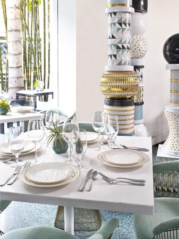 Avalon Hotel Dining Room, Beverly Hills. Gorgeous sculptural Italian ceramic columns.: Dining Rooms, Hotels Celebrity, Avalon Hotels, Italian Ceramics, Platner Chairs, Terrazzo Floors, Hotels Dining, 1960S Warren, Ceramics Columns