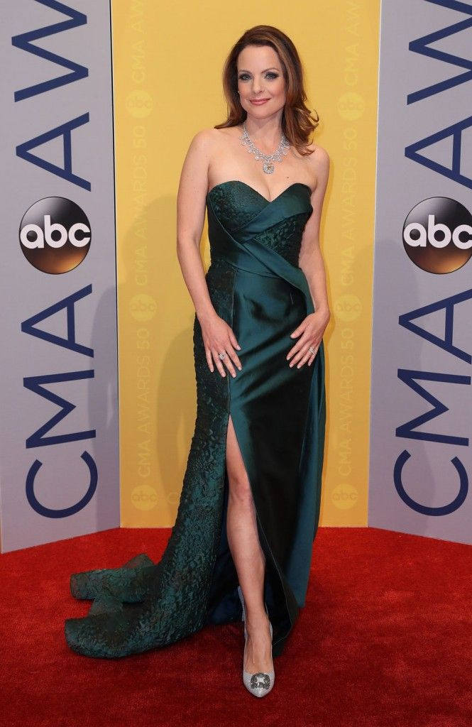 Kimberly Williams-Paisley in Rubin Singer | CMA Awards 2016