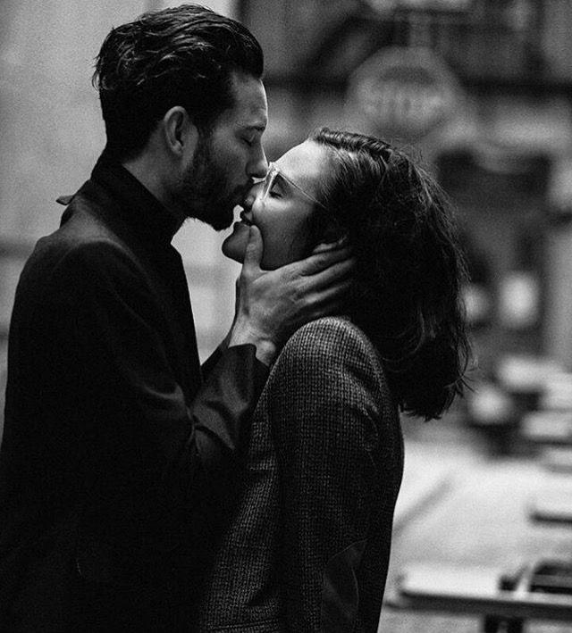 Фото поцелуй носами