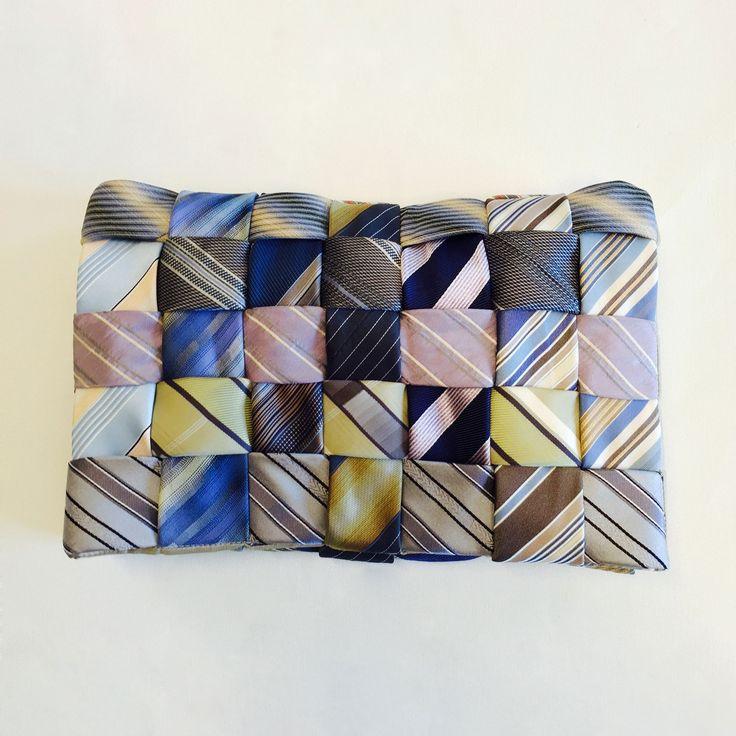 kopertówka, torebka uszyta z krawatów. Upcycling