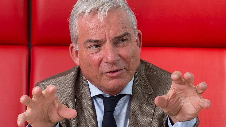 Neue Debatte um Abschiebepraxis: Strobl-Vorschlag empört Flüchtlingshelfer