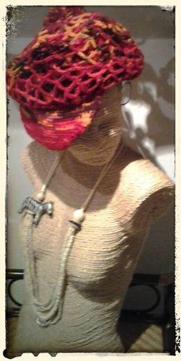 Cappelo in lana Collana con zebra!