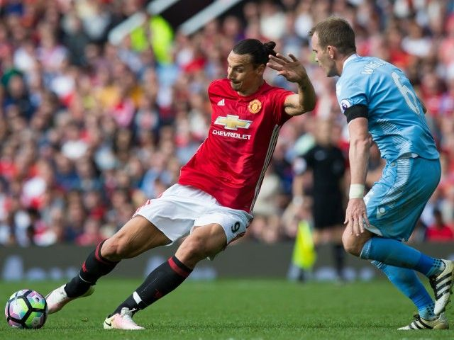 Manchester United's Zlatan Ibrahimovic: 'Team will click on and off the pitch'