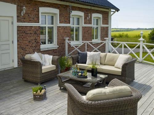 Palma – Soffgrupp i brun konstrotting. Bord med glasskiva. Utemöbler, trädgårdsmöbler, Outdoor furniture.