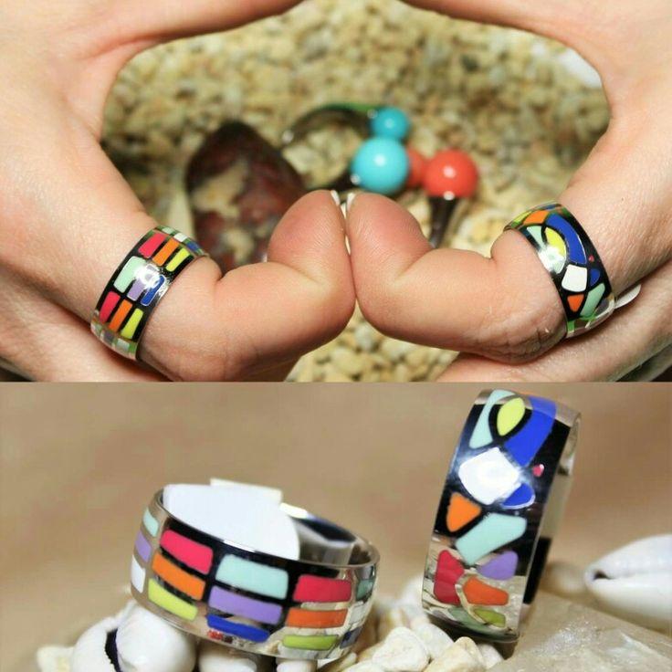 Magníficos anillos de bisutería llenos de color.  #bisuteriafina #bisuteria #anillos #anillo #complements #complementosmoda #complementosdemoda #complementsdesign #beasainmoda #marsvilleshop #tiendaonline #tiendabeasain