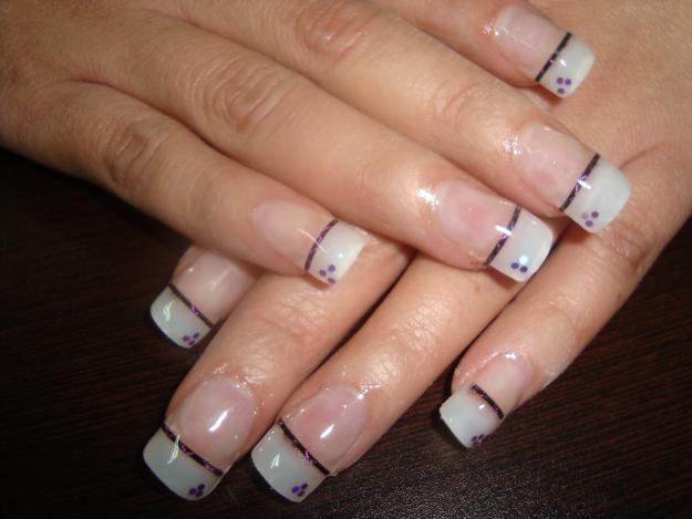 Be Cute Web | Como se colocan las uñas de porcelana o acrilico | http://becuteweb.blogspot.com.ar/2012/08/unas-decoradas-postizas-acrilico-porcelana.html