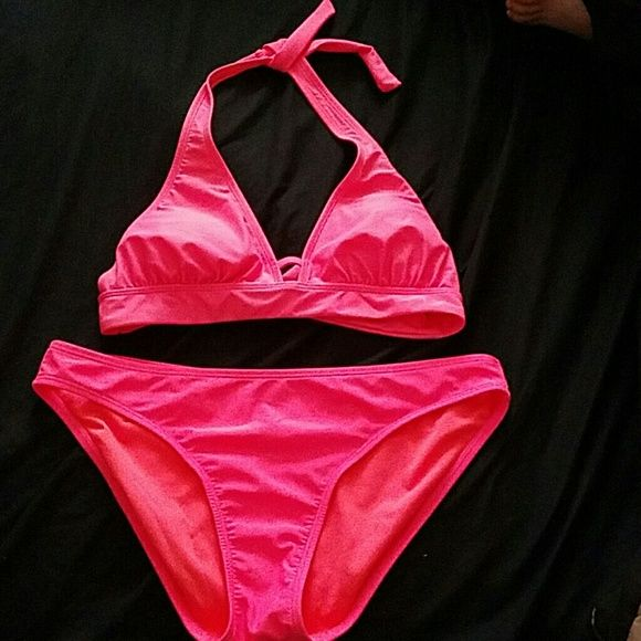 On sale today only  $5.00 Hot pink 2 piece swimsuit Old Navy Swim Bikinis