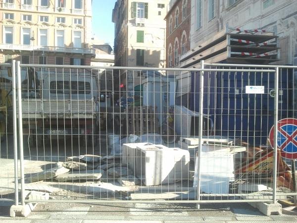 Il giardino cantiere: quando i lavori pubblici diventano un gioco