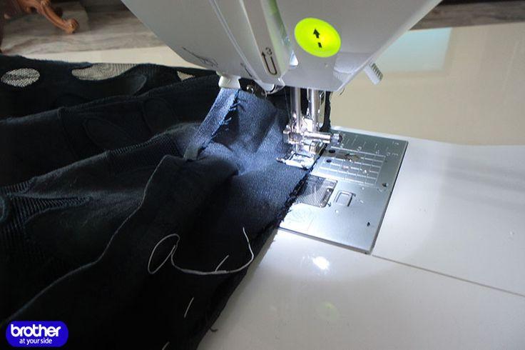 Учимся шить на швейной машине: Переделка платья в топик.