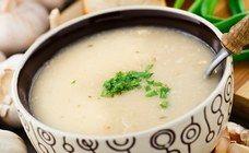 Zupa czosnkowa - przepis Gessler na pyszną zupę czosnkową - Czy wam też zapach czosnku kojarzy się z najlepszymi potrawami? Nam też! Jak to dobrze, że przepis na zupę czosnkową przypomniała ostatnio Magda Gessler. Taka zupa czosnkowa...