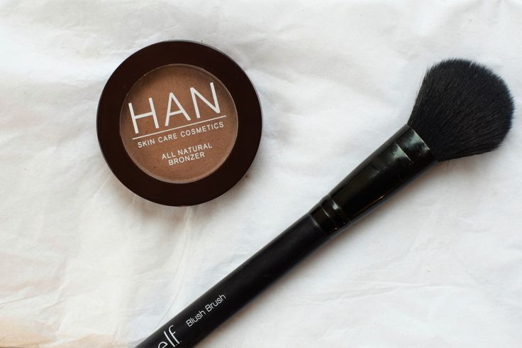 Green beauty make up look  HAN Skincare Cosmetics Matte Bronzer Malibu ELF Brushes  paigespageblog all things green beauty detoxing my make up bag #greenbeauty #cleanbeauty #cleanbeautyblogger #greenbeautyblogger #rootpretty #w3llpeople #bareminerals #noyahlipstick #aunaturalecosmetics #honeybeegardens