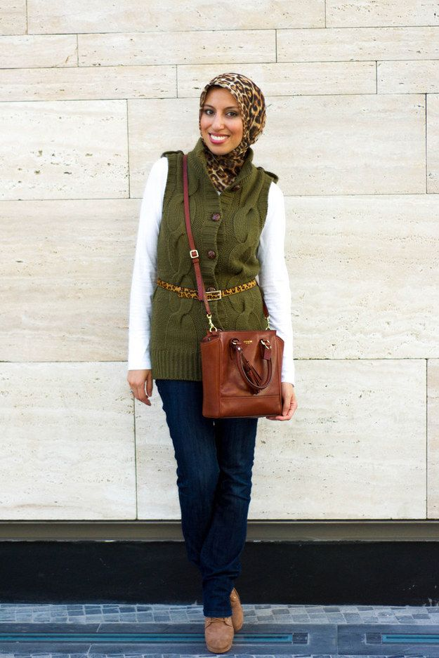 Match a hijab with an accessory. | 23 Seriously Beautiful Hijab Styles To Try