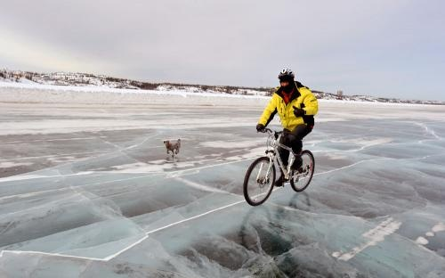 Dettah Ice Road, Yellowknife | NWT Film Commission - @Tara Harmon Smedbøl, this is for you.