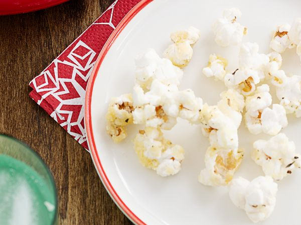 "Recipes - Desserts - Popped ""Parm Corn"" - Kraft First Taste Canada"