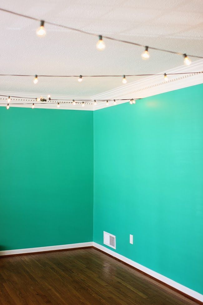 Picking a bold color for your living space! -- Hello Emerald by Pantone!