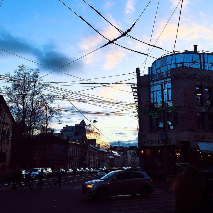 1,376 отметок «Нравится», 3 комментариев — Нижний Новгород (@go_novgorod) в Instagram: «📷 Фото: @moments_from_life__ ⠀ ❤ Не забывай поставить лайк! 👉 Придумайте описание к фото! ⠀ ⚠…»
