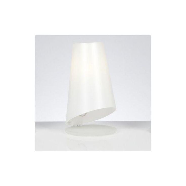 Emporium Zilly lampada da tavolo con paralume in prolipopilene bianco perla.  Base disponibile nel colore bianco o grigio matt. Perfetta come coppia di abat-jour in una camera da letto.