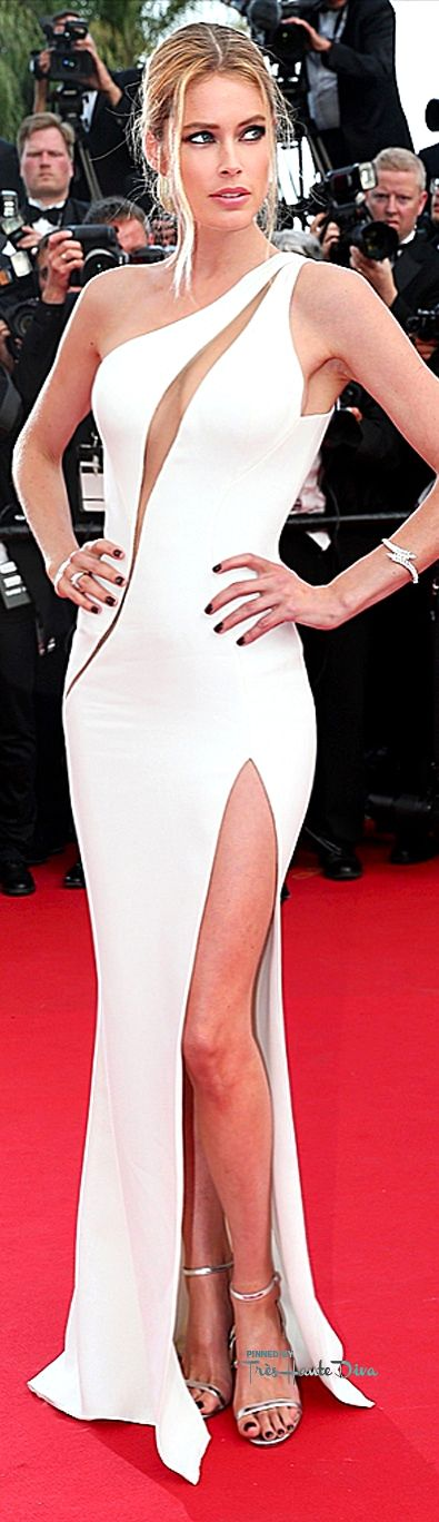 #Doutzen #Kroes Atelier Versace, Chopard Jewels, Jimmy Choo sandals ♔ #Cannes Film Festival 2015 Red Carpet ♔ Très Haute Diva ♔
