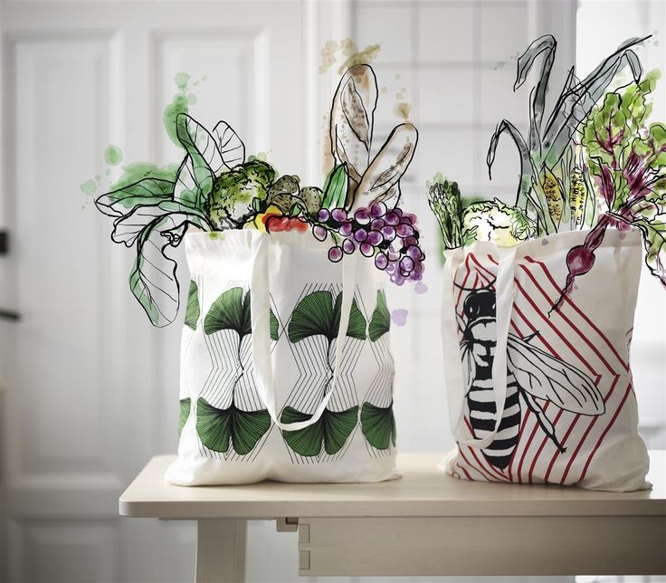 Looks great wrapped round locally grown produce. Sustainable style with natural cloth ANVÄNDBAR bag. Machine washable. Attractive design. Cut down on plastic bags. And start to live a little kinder. #Livealittlekinder #IKEAcollections #ANVÄNDBAR #IKEA #greenhomes #shoppingbag