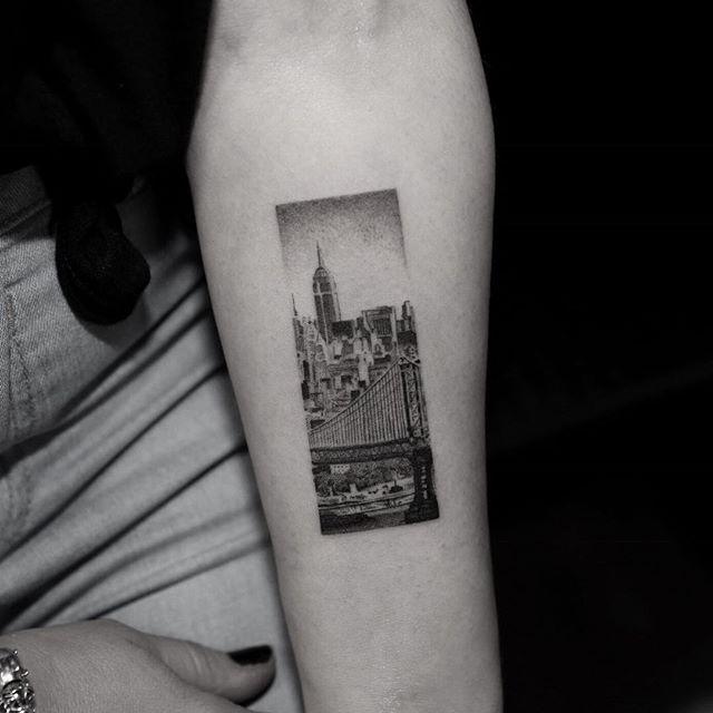 best 25 new york tattoo ideas on pinterest nyc tattoo skyline tattoo and city tattoo. Black Bedroom Furniture Sets. Home Design Ideas