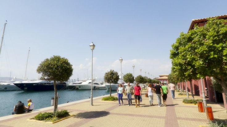 Flisvos Marina at Palaio Faliro is one of the most popular spots for a walk by the sea. Whether you are a visitor or a local, this marina is one of the best spots for recreation and relacation.