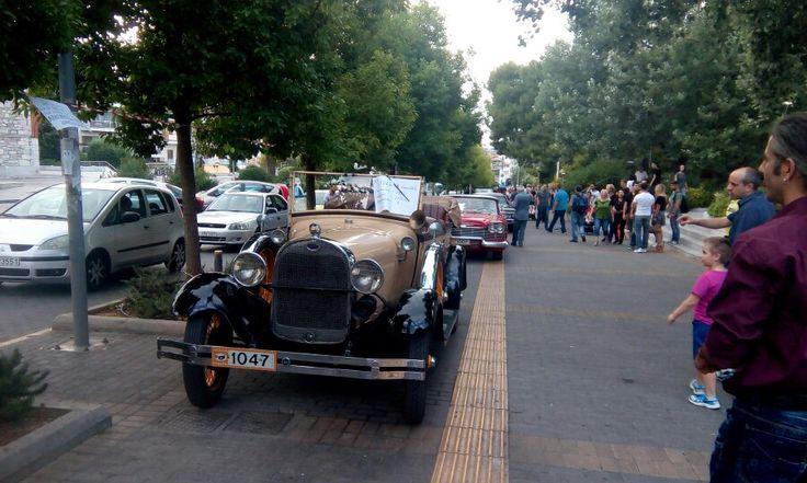 Πλατεια χαλανδριου old cars but beautiful