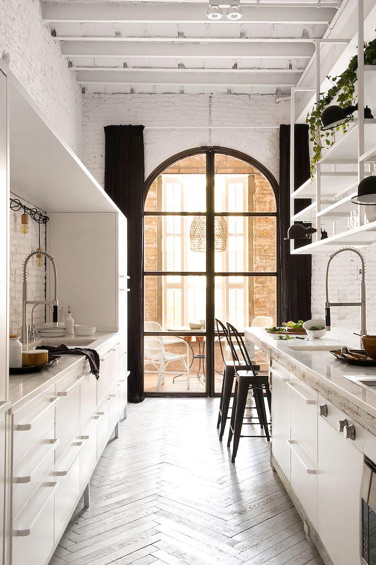 Una casa dallo stile industriale a Barcellona