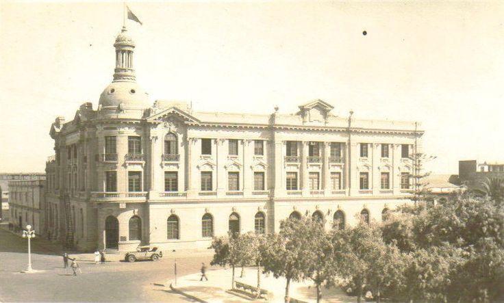 Edificio de Correos y Telégrafo de Antofagasta en 1930. - EnterrenoEnterreno