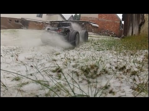 Traxxas Stampede VXL 4x4 - Snow Bash with Slow Motions, Jumps and lot of Fun. Filmed by GoPro Hero 2.    http://www.youtube.com/watch?feature=player_embedded=2ucQ-uCgvQ0