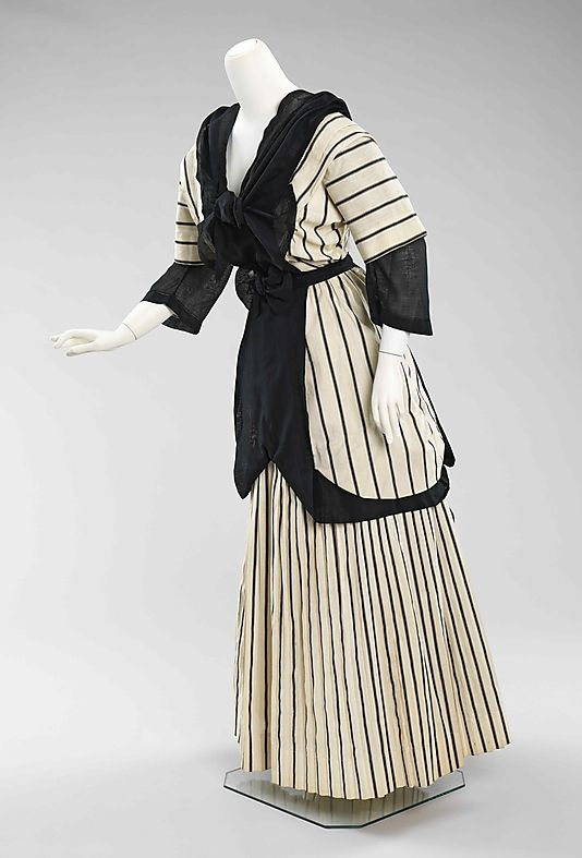 Striped cotton ensemble (front), American, 1912-1915. MET - reminds me of what people wore at parties or horse races where they dressed in all black and white.