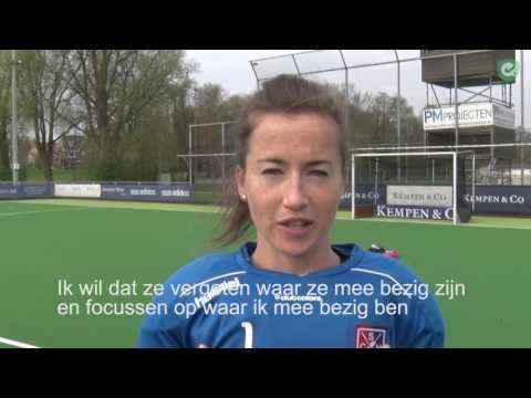 (Source: Hockey.nl) How do you defend a shootout? Maddie Hinch, goalie of SCHC and Great Britain, shares five tips. Maddie led