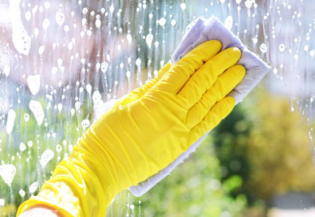 En etkili cam temizleme yöntemleri