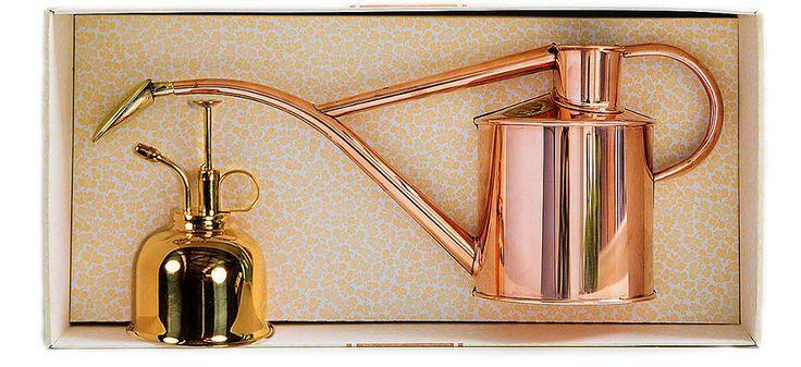 Zestaw do podlewania: miedziana konewka i mosiężny rozpylacz. Produkowane ręcznie w Anglii przez Haws Watering Cans.