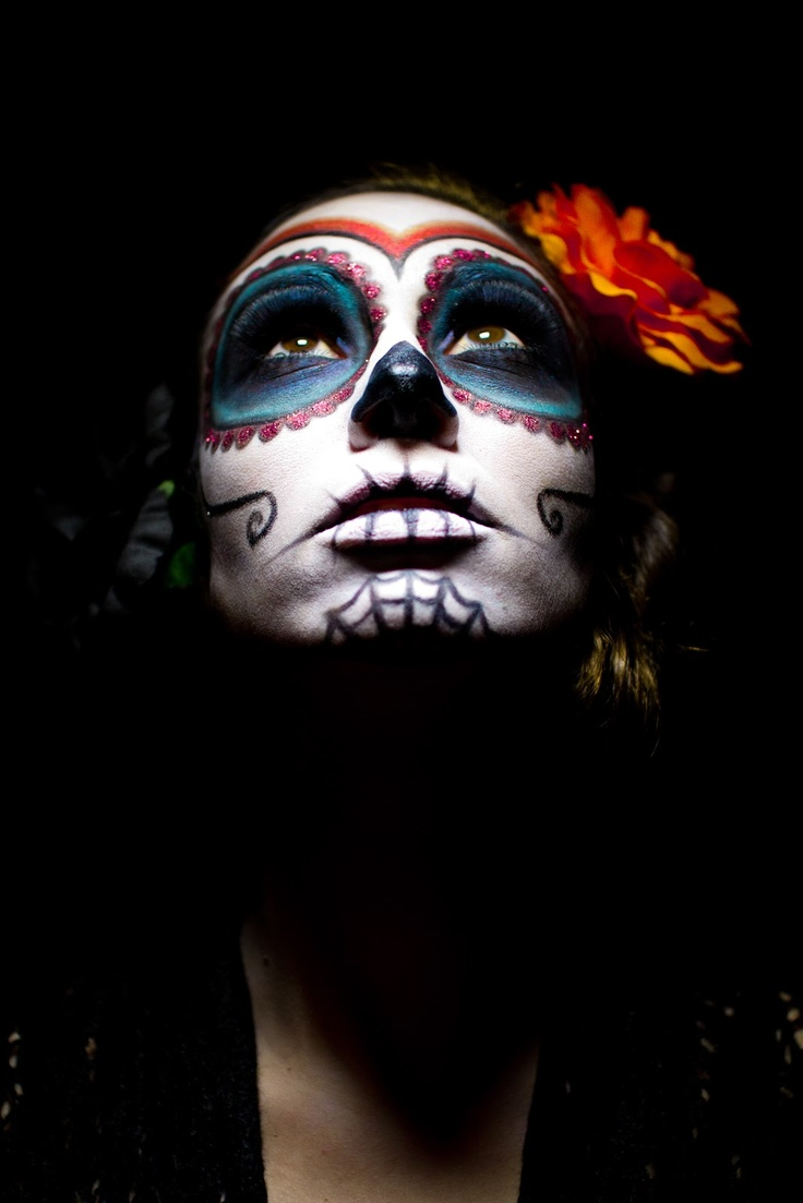 Calavera make-up                                                                                                                                                                                 Plus