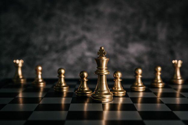 Baixe Xadrez De Ouro No Jogo De Tabuleiro De Xadrez Para O Conceito De Lideranca De Metafora De Negocios Gratuitamente Chess Board Chess Board Game Chess Chess hd wallpaper download