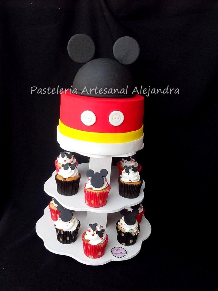 cake y cupcake  Mickey mouse
