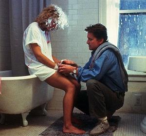 Liaison fatale (1997) avec mickael douglas et Glen Close. Bien penser à ce film si l'envie vous prend de faire des ptites escapades extra conjugales. Glen CLOSE est excellente !!!