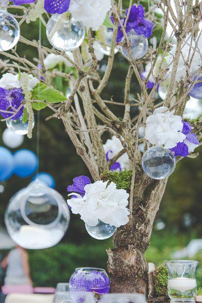 Mariage-centre-de-table-arbre-de-fleurs-blanc-et-mauve-reflets-fleurs