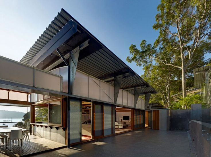 Cliff Face House by Peter Stutchbury