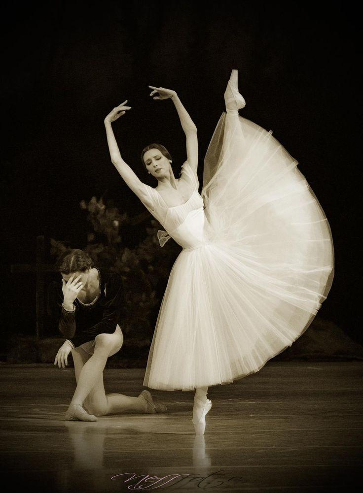 Svetlana Zakharova and Vlad Lantratov in Giselle. Photo by Alexander Neff