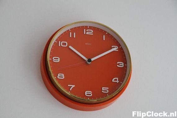 Metamec bakelite orange wall clock NOS New Old by wwwFlipClocKnl