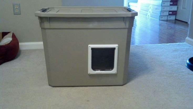 Little outside cat house for the strays this winter...