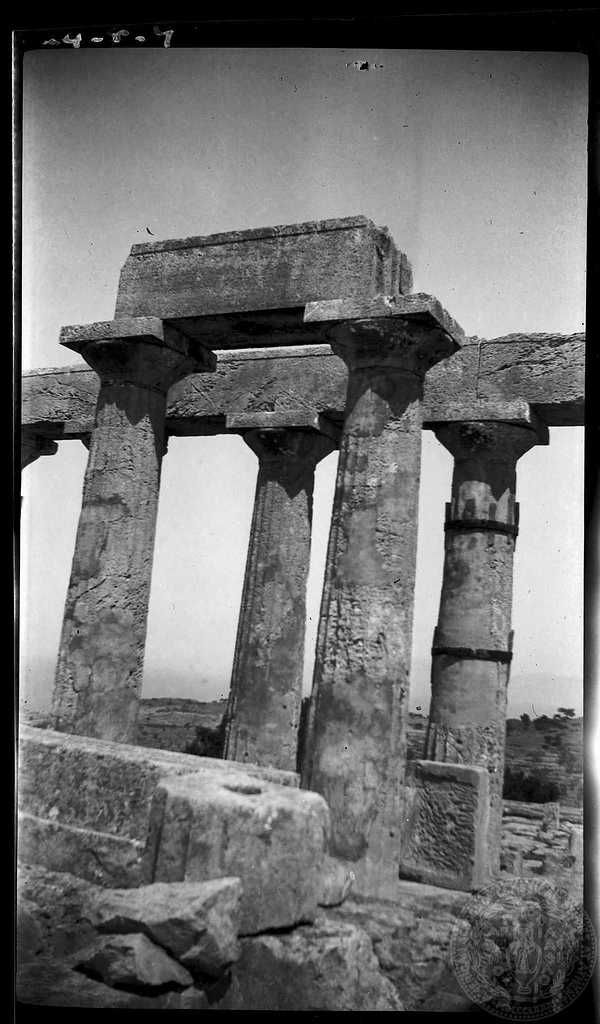 Aegina. Temple. Dorothy Burr Thompson 1924.