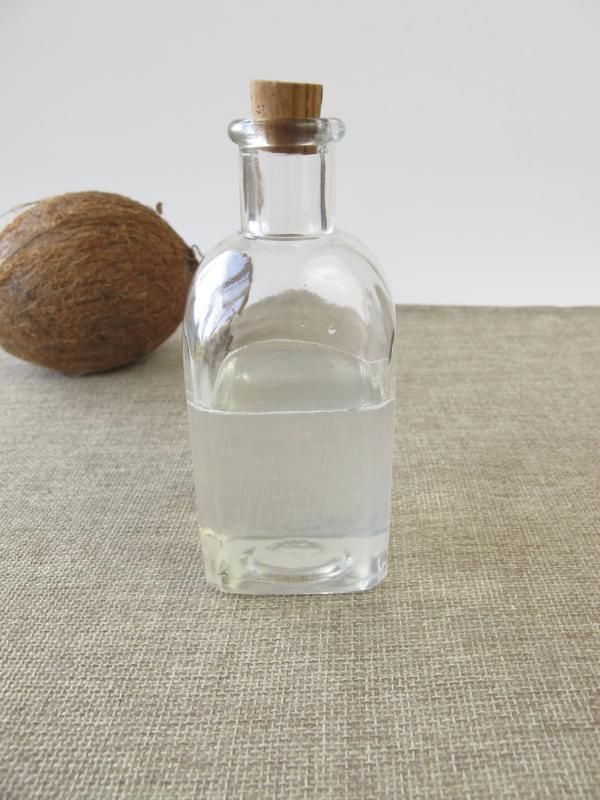 What Is the Difference Between Expeller-Pressed Coconut Oil & Cold-Pressed Coconut Oil?